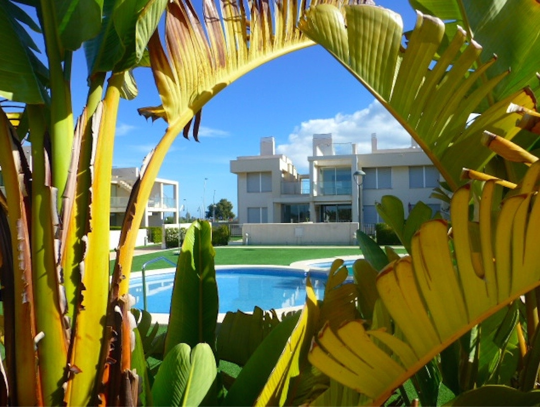 Costa Calida Properties close to Golf Resorts - Modern Apartments La Perla Beach Resort atMar Menor, Costa Calida -