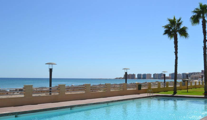 Costa Calida Immobilien in Nähe von Golf Resorts - Apartment in La Manga del Mar direkt am Mar Menor, Costa Calida -
