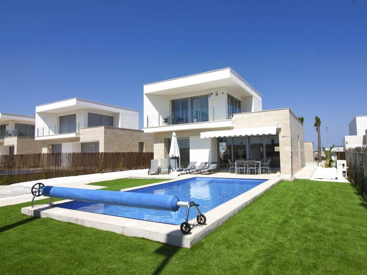 Costa Blanca Properties close to Golf Resorts - Detached Villa in San Miguel, Costa Blanca