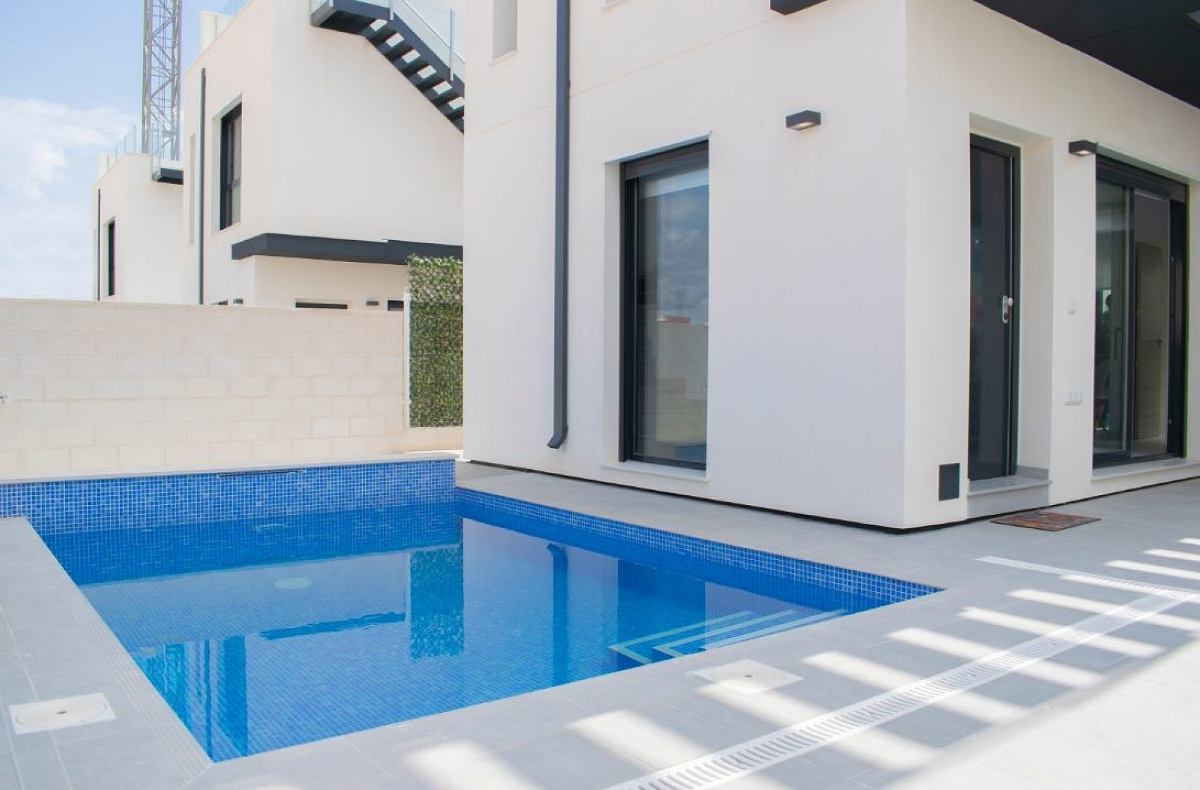 IMMOBILIEN AB 69.500 € in Nähe von Golf Resorts an Costa Blanca - Villa in Urb PAU 26, Costa Blanca