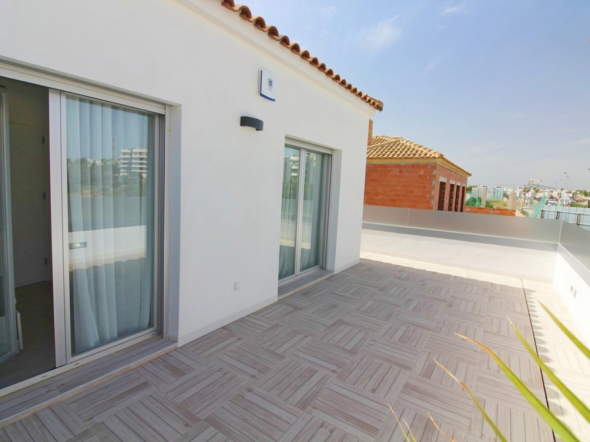 Costa Blanca Properties close to Golf Resorts - Townhouse in Villamartin, Costa Blanca