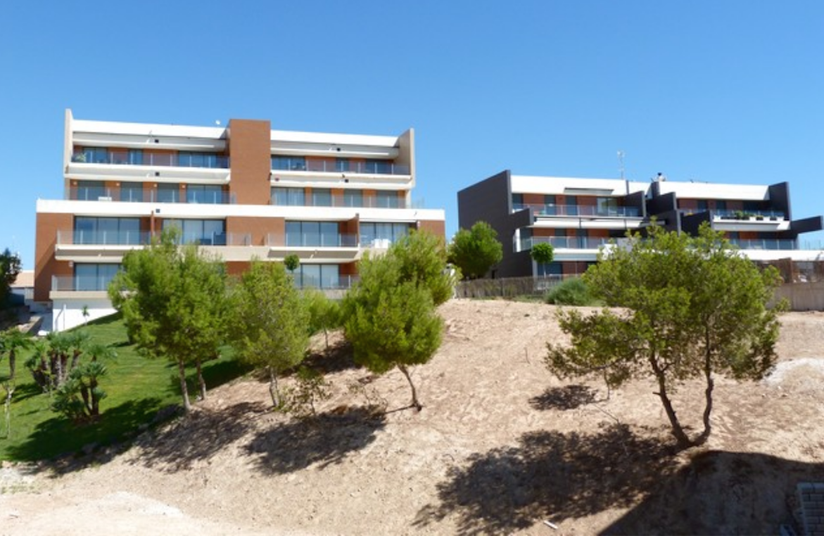 Properties from 114.000 € close to Golf Club Villamartín - Apartments, Golf Club Villamartin, Costa Blanca -